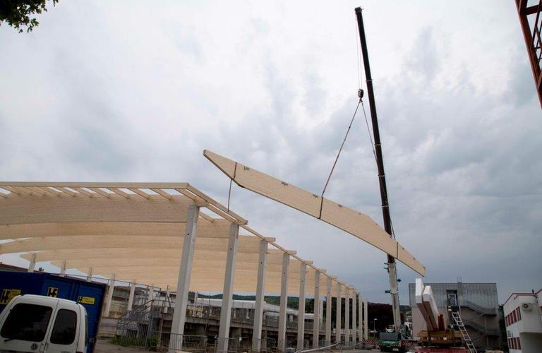 Errichtung Dachstuhl Eislaufhalle Eisenstadt Allsportzentrum