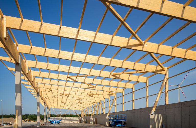 Errichtung Lagerhalle aus Holz