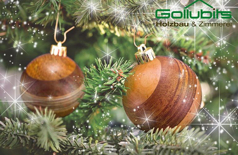 Weihnachtsbaum mit Holz Christbaumkugeln